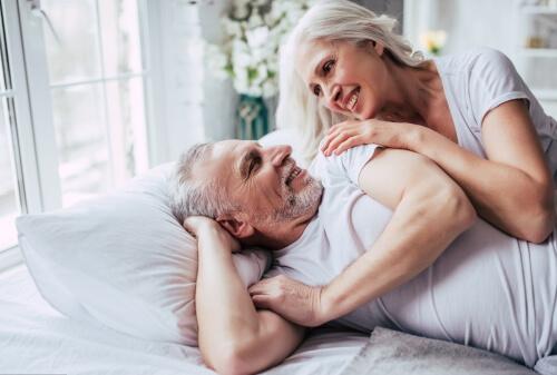 couple âgés confinement - Laboratoire-Naturoscience